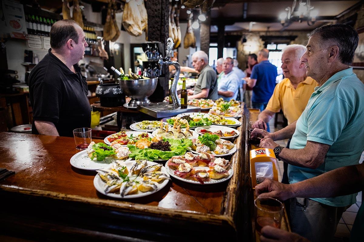 Die Pintxo-Bars der Basken / Nordspanien - Kochgenossen