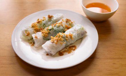 Bánh Cuòn / gedämpfte Reisteigrollen mit Schweinefleisch