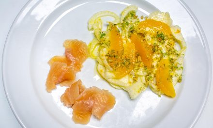 Geräucherte Seesaiblingsfilets mit Orangen-Fenchel-Salat